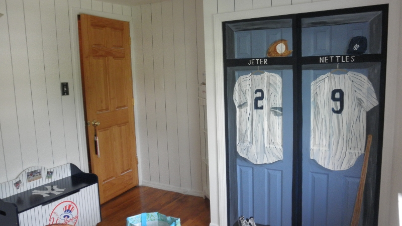 Charmant Yankees Locker Mural On Closet Doors. Kids Rooms Debbie Viola