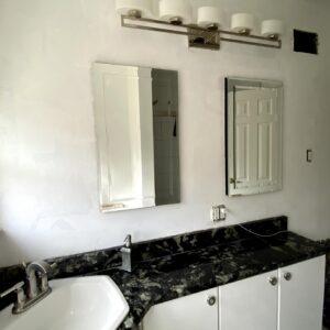 WALLS - BEFORE - BATHROOM BAYSIDE